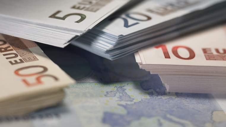 χρήματα ευρώ